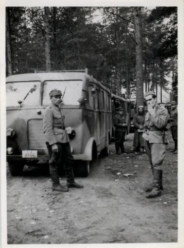 10.9.1941 Immolasta lähtö autoau Toivo Korkka autoups Niilo Kostermaa ym