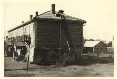 Pitkäranta Kolhoosirakennus majapaikanamme