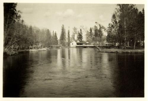 Karhumäki huvipuisto Kumsjoen varrella