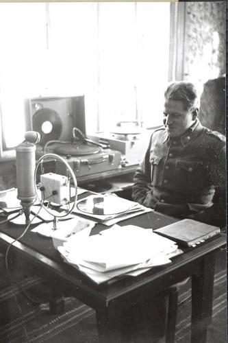 Pekka Tiilikainen Äänislinnassa, Aunuksen radio